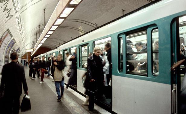 clan-operait-metro-parisien