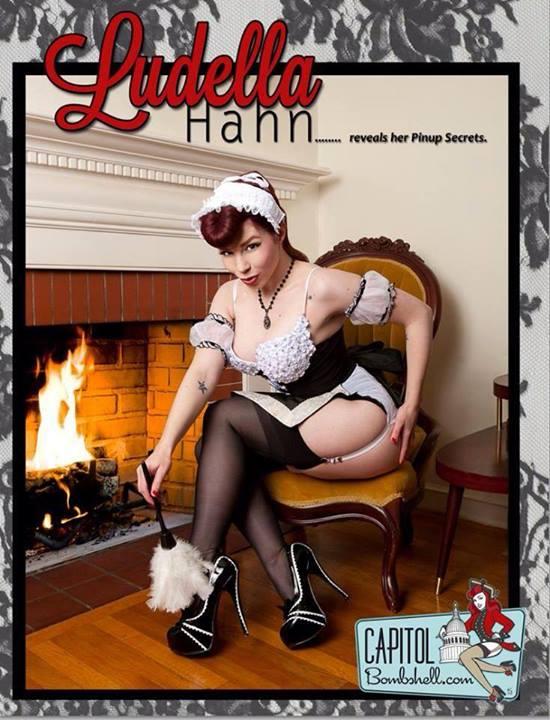 Pin Up Ludella Hahn 01
