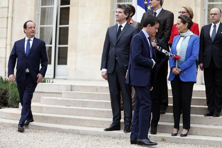 Le gouvernement démissionne, Hollande confie à Valls le soin d'en former un nouveau - Libération