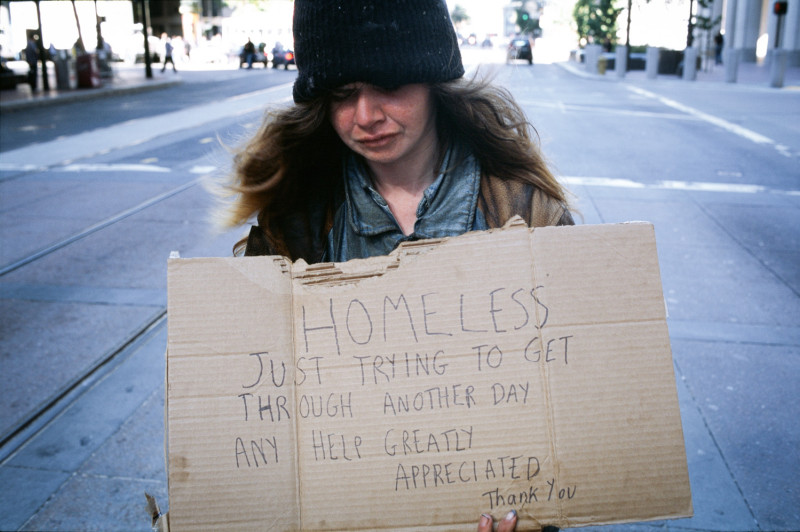 Ever Wondered What To Say To A Homeless Person? Here Are 5 Things to Say And 5 Things Not to Say