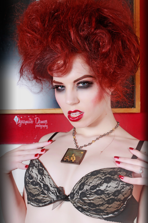 20150121_PinUp_LudellaHahn_01