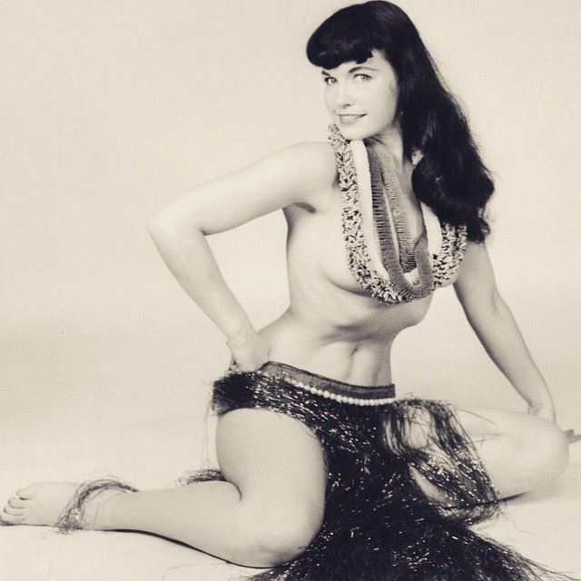 20150127_PinUp_BettiePage_02