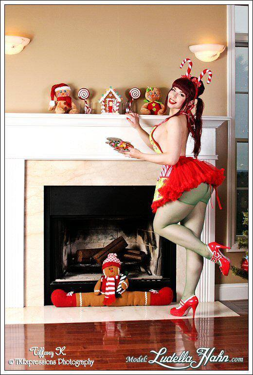 20150128_PinUp_LudellaHahn_10
