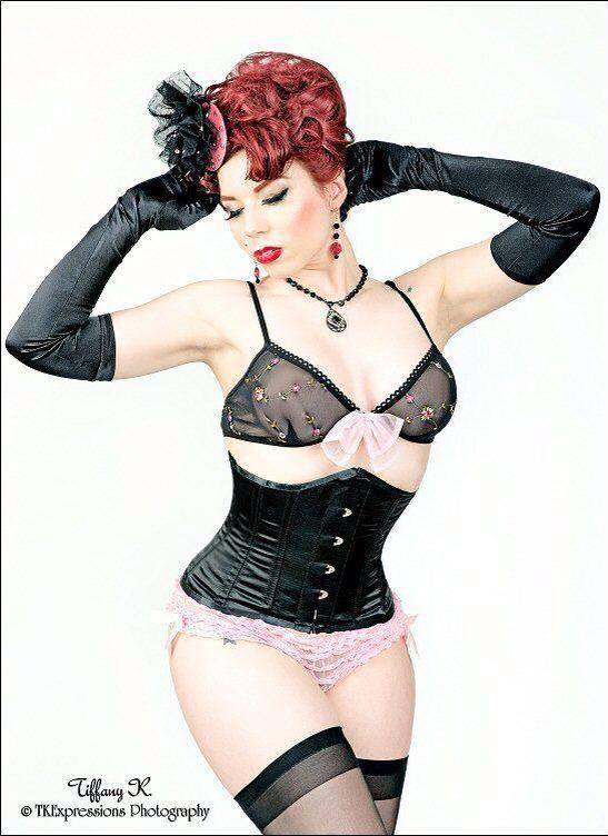 20150128_PinUp_LudellaHahn_15