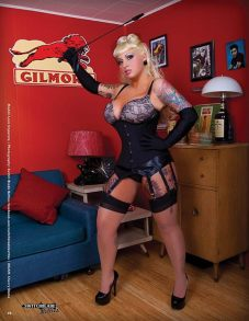 20150131_Pinup_RetroLovely_01_SwitchBladeBetties