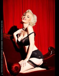 20150131_Pinup_RetroLovely_22_JoleeBlon