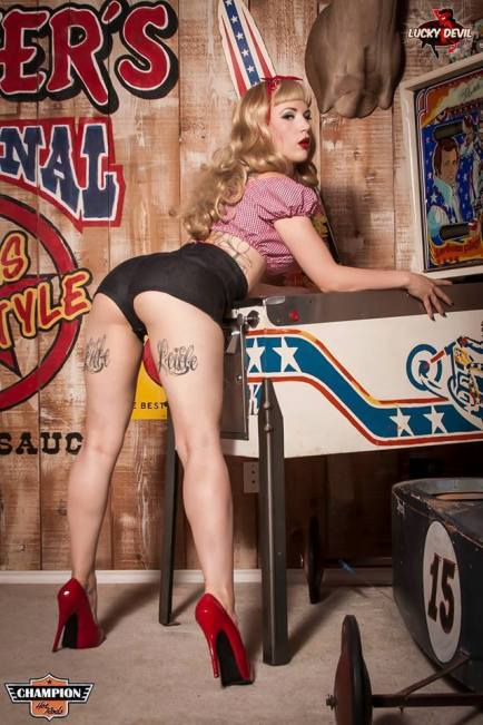 20150217_LuckyDevilPinUp_23_CourtneyCrave