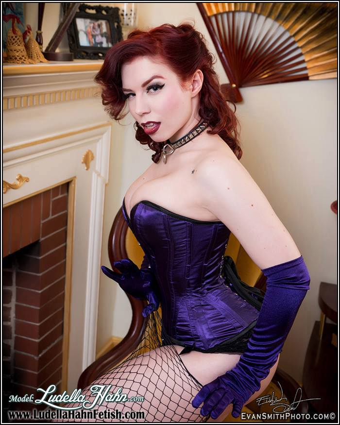 20150225 – Pin up : Ludella Hahn