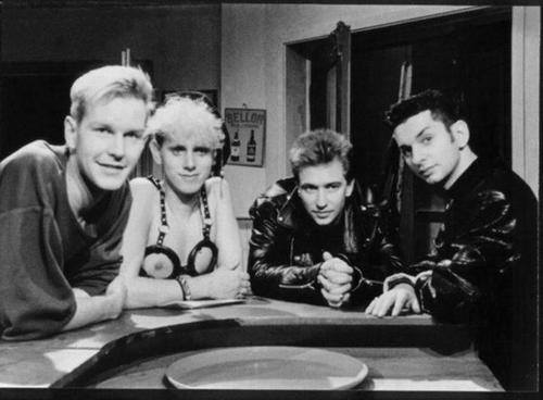 20150607 – Music / Video : Depeche Mode – A Question of Lust