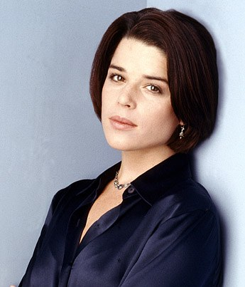 neve-campbell-20040423-882