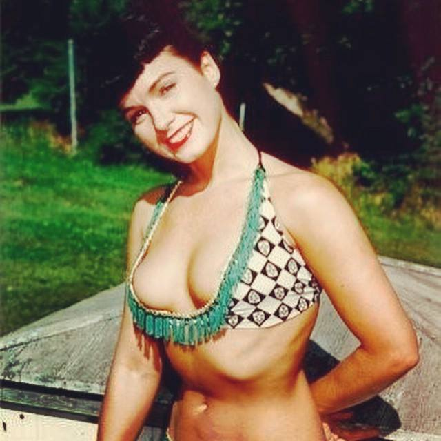 PinUp_BettiePage_06