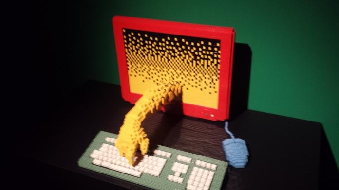 L'ordinateur interactif en LEGO :)