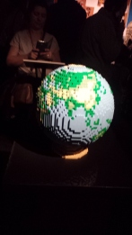 Mappemonde en LEGO