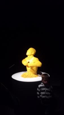 Sculpture phare de l'exposition