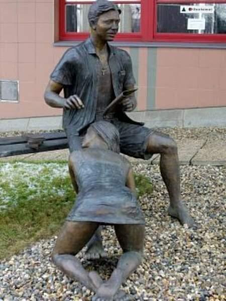 Statue 040
