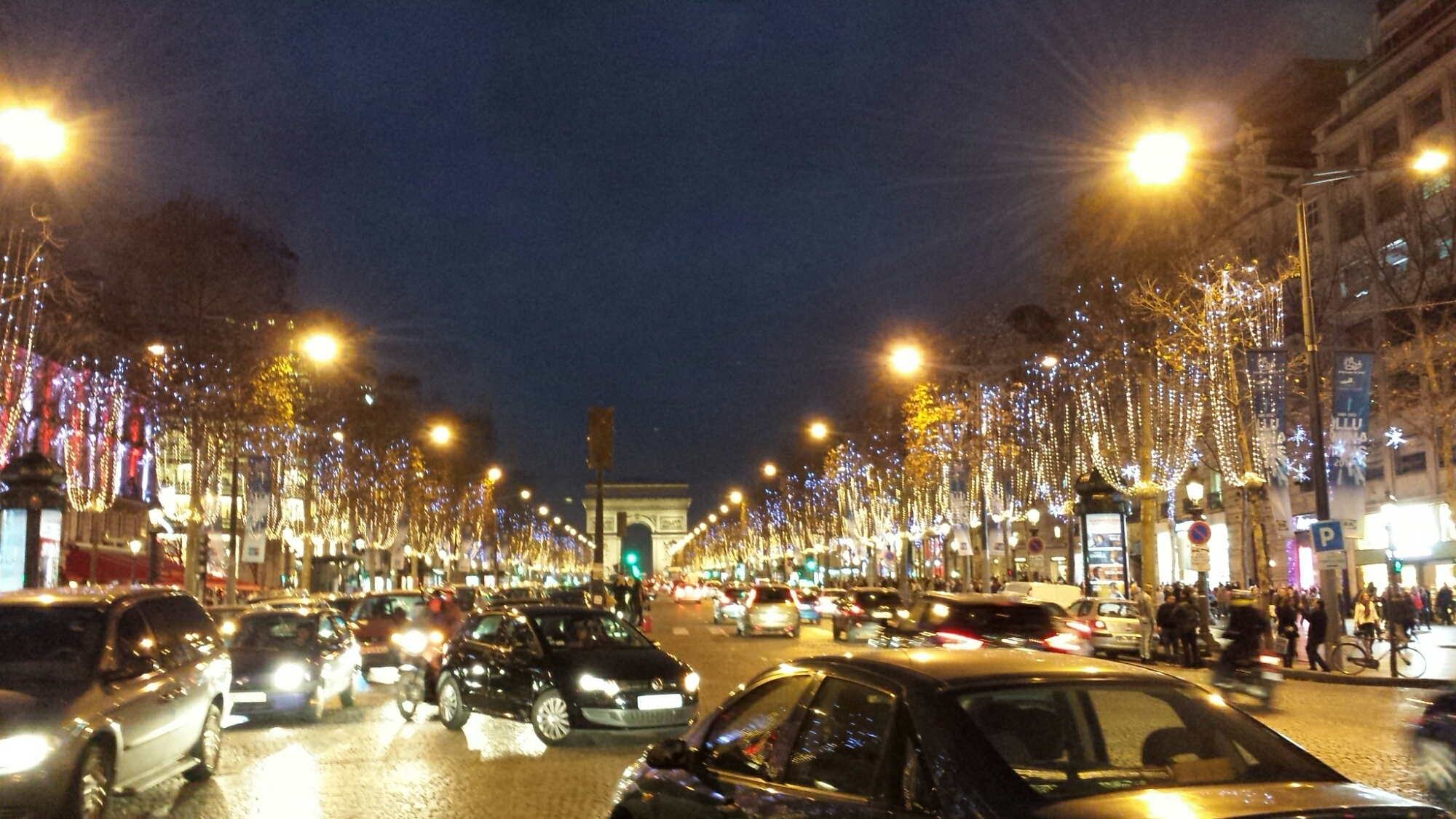 #B38718 20151220 – Paris Champs Elysées – Décorations De Noël  5365 decorations de noel champs elysees 2000x1125 px @ aertt.com