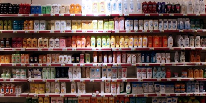 """Cosmétiques : pourquoi les """"substances préoccupantes"""" sont-elles encore autorisées ?"""