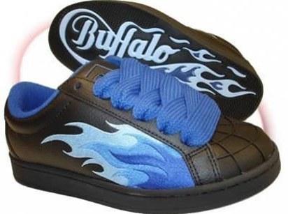 Ou comment on faisait ~les rebelles~avec ces chaussures horribles.