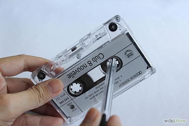 Et comment on rembobinait ces mêmes cassettes pour les réécouter depuis le début.