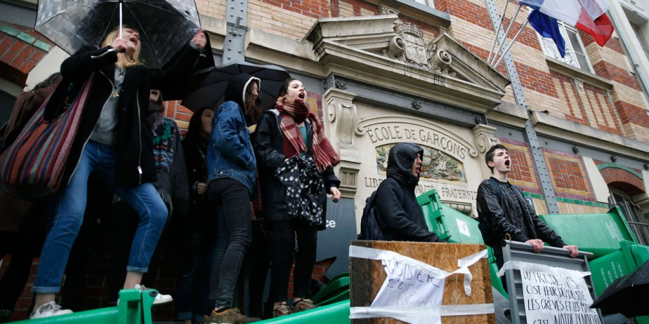 Loi travail : des lycées bloqués, certains fermés à Paris sur décision de la direction