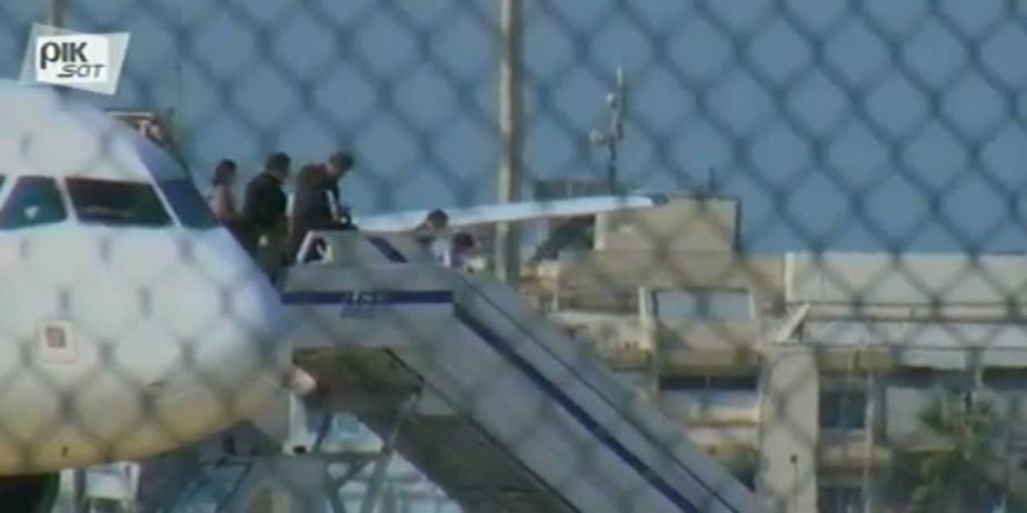 Un passager d'un vol d'Egypt Air menace de déclencher une ceinture d'explosifs