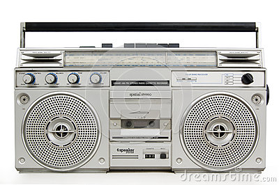 vieux-lecteur-de-cassettes-49761820