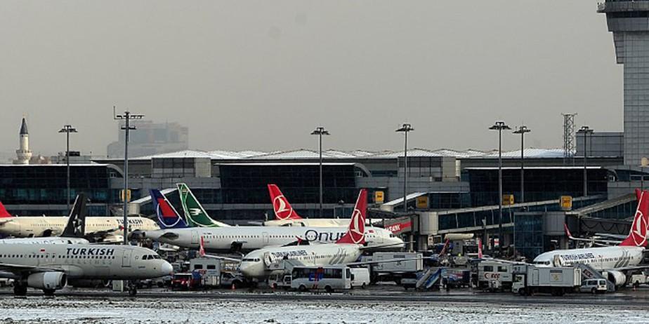 Attentat-suicide à l'aéroport d'Istanbul, au moins 10 morts